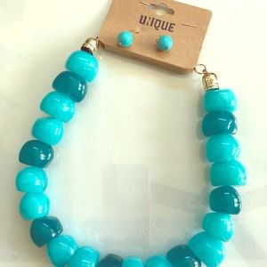 Turquoise/teal necklace with ear rings
